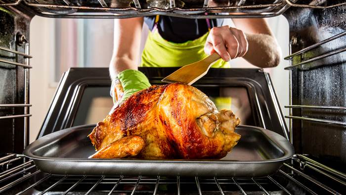 oven-cook-turkey-today-151113-stock-tease_724728e4fd202a1c7b3d49c4beb191c7-today-inline-large